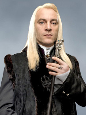 http://img4.wikia.nocookie.net/__cb20070722165446/harrypotter/images/d/d5/LuciusMalfoy.jpg