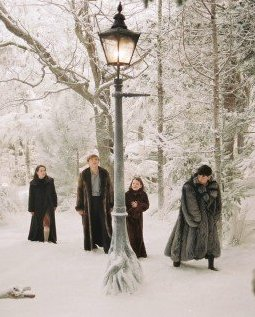 Lamp-post - WikiNarnia - The Chronicles of Narnia, C.S. Lewis