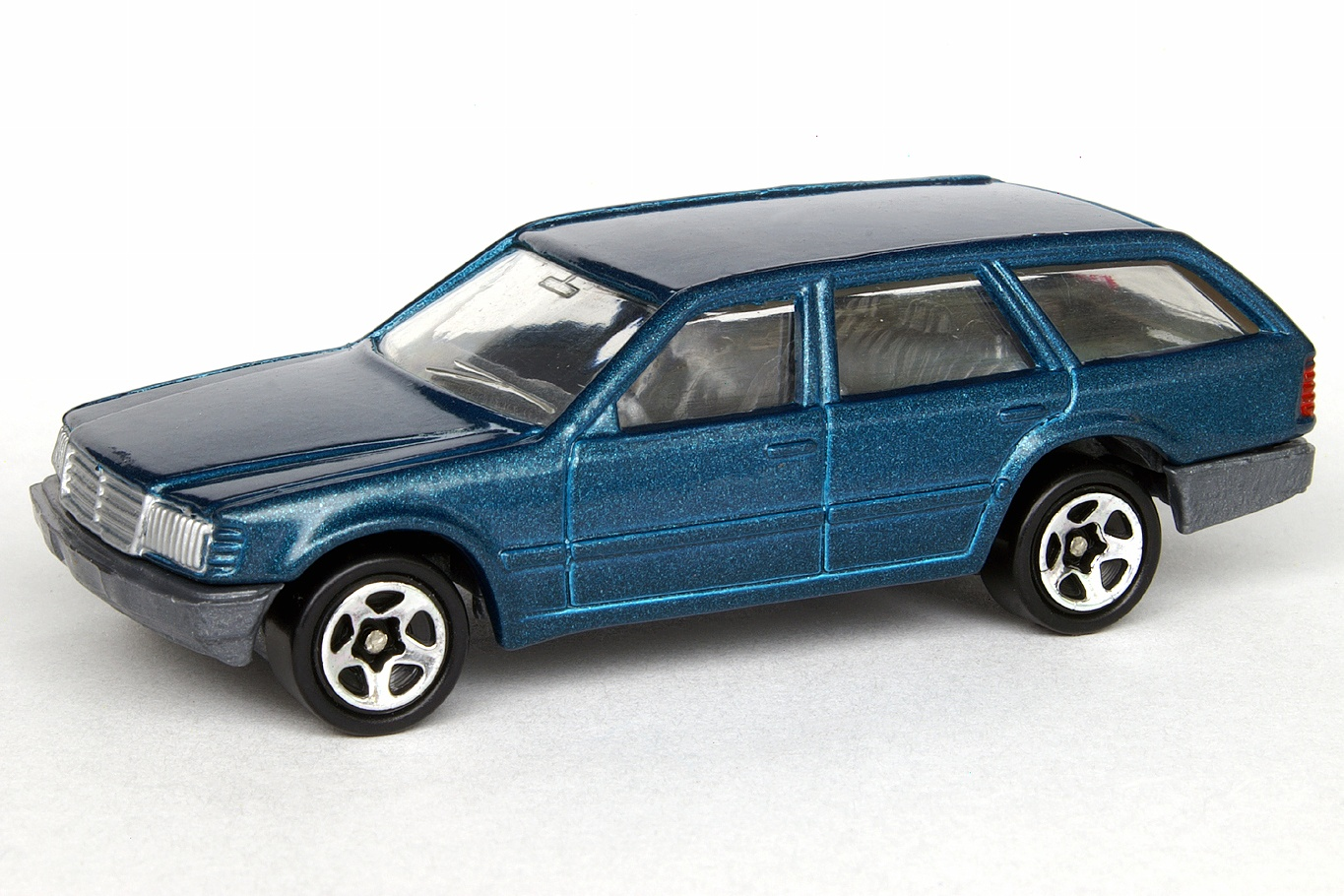Mustang Station Wagon >> Mercedes 300TD - Hot Wheels Wiki