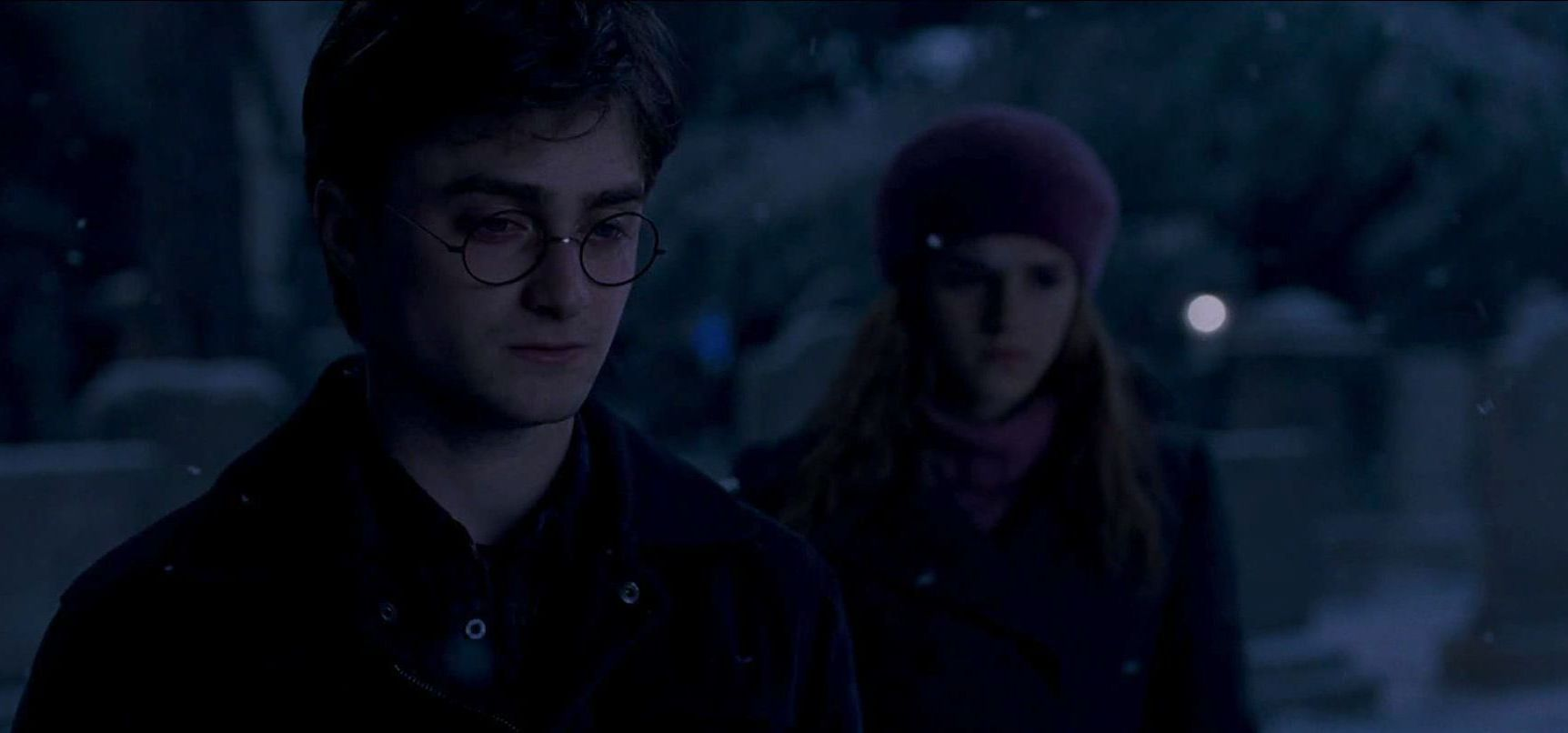 Harry Potter Hermione Gifs FileA teary Harry Potter with