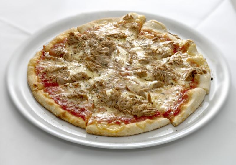 Pizza Tonno - Rezepte Wiki - Kochbuch für Hühnchenrezepte, Kuchenrezepte, Mediterrane Rezepte ...
