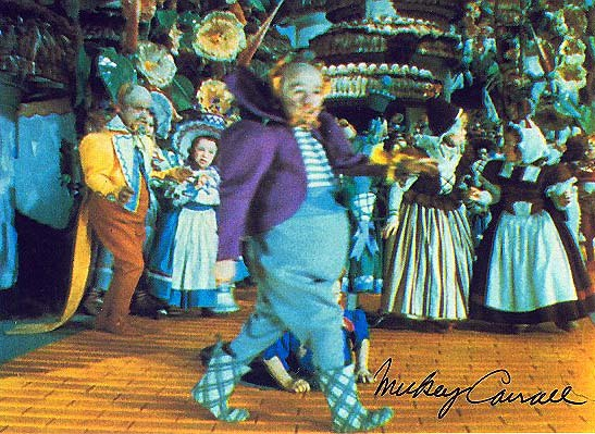 Wizard of Oz Munchkins didnt just grope Judy Garland