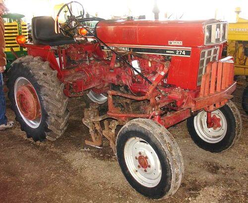 International Harvester 284 Tractor : Px international offset g
