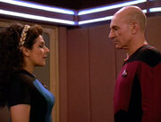 Troi teilt Picard Bedenken mit