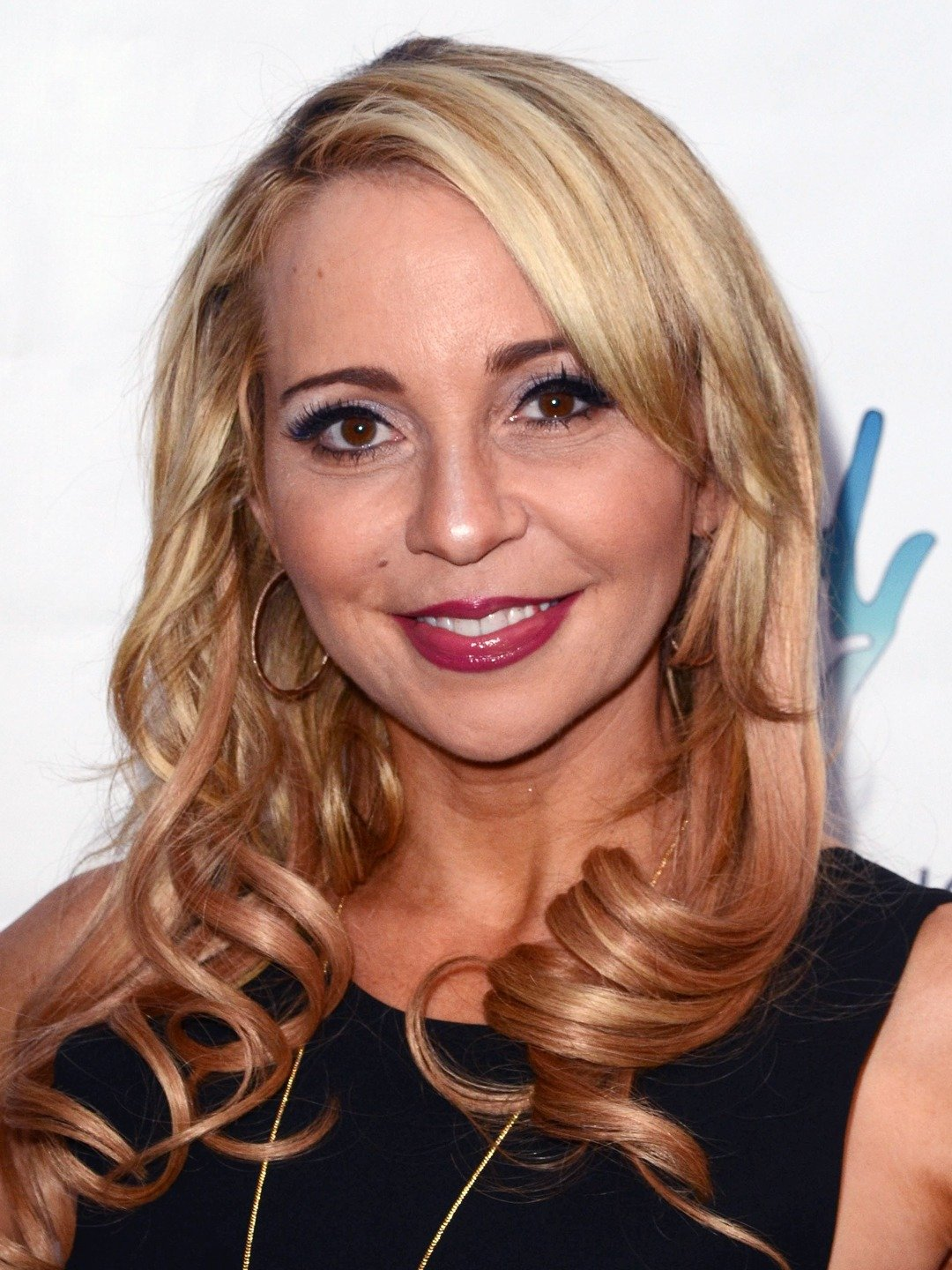 Tara strong young justice wiki the young justice resource with