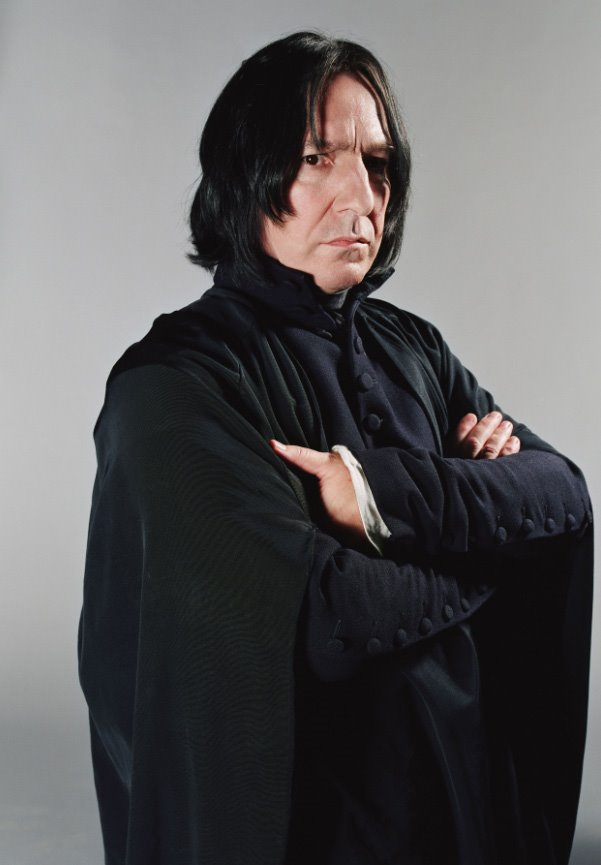 http://img4.wikia.nocookie.net/__cb20110316031920/harrypotter/images/c/c1/Severus-snape1.jpg