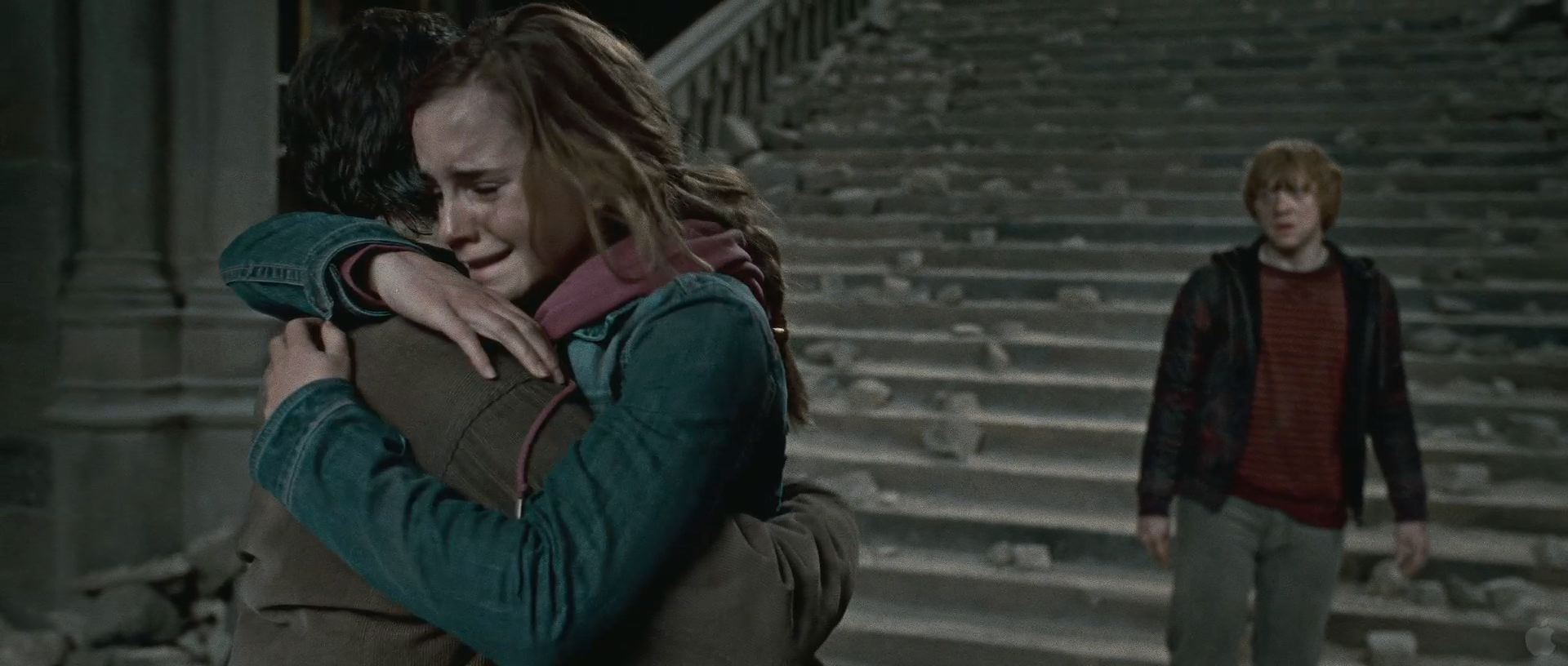 Hermione Hugging Harry File:harry And Hermione Hug