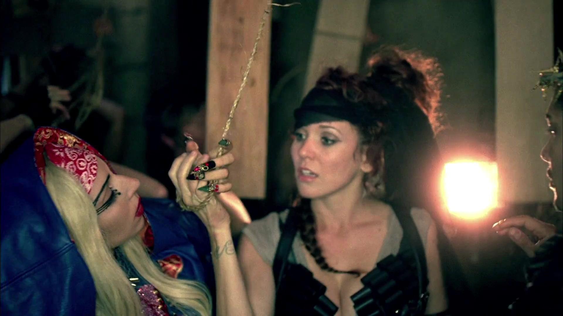 File:lady Gaga Judas 243.jpg