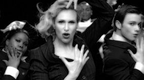 Sue-Sylvester-Vogue-Glee-01-2010-04-13