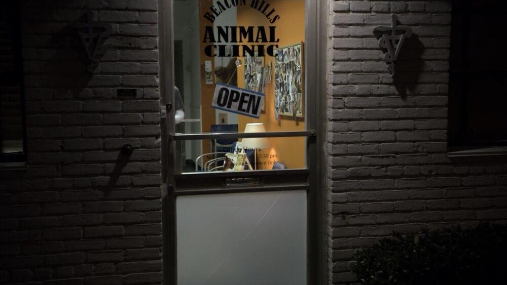 http://img4.wikia.nocookie.net/__cb20111207191243/teenwolf/images/thumb/5/52/BeaconHillsAnimalClinic.jpg/1000px-BeaconHillsAnimalClinic.jpg