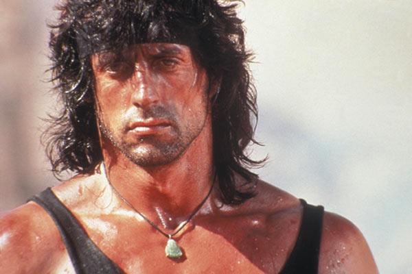 Regarde une feuille de personnage John_Rambo-4