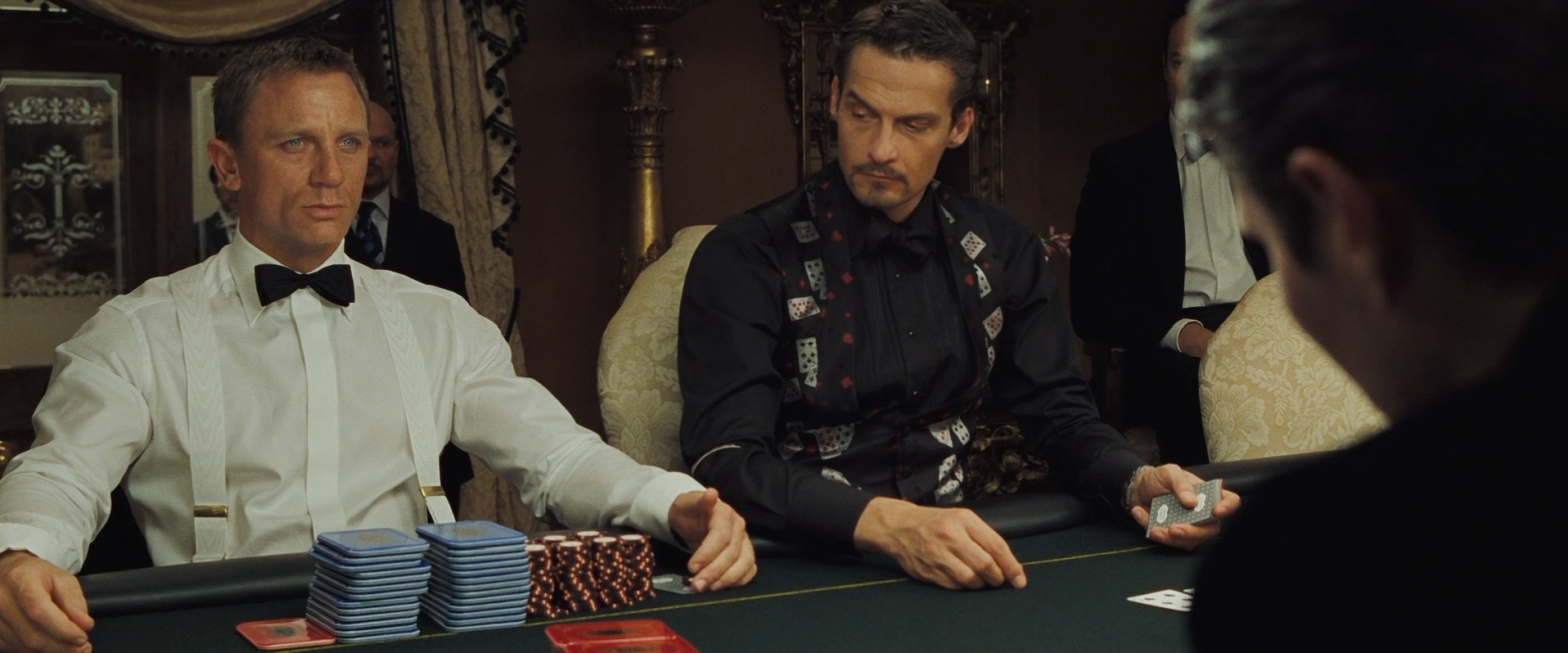 What type of poker is played in casino royale
