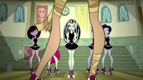 Monster High™- New Ghoul at School