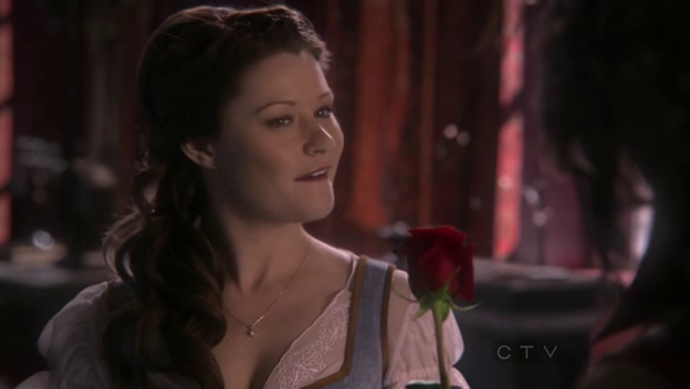 Le Rumbelle - Page 6 Shot_1x12_Belle_Rose