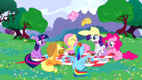Main 6 having a picnic S02E25