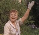 Harriet Cooper (Madge Blake)