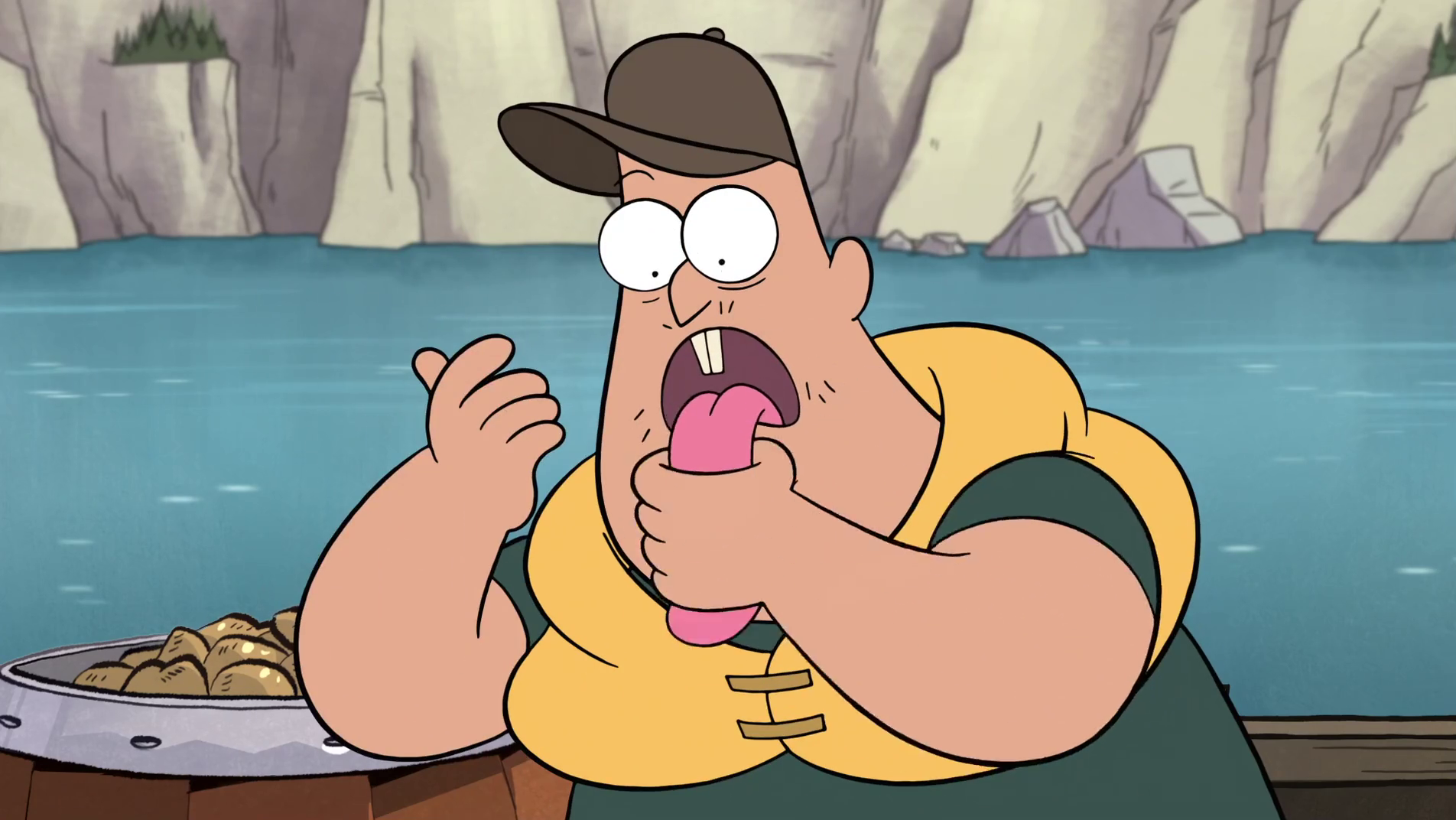 S1e2_soos_wiping_fish_food.png
