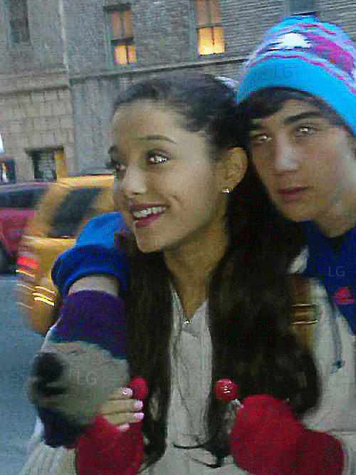 ariana grande dating guy from the wanted Ariana grande admitted she was a little nervous to meet her boyfriend's family in case you haven't heard, the singer is presently dating the wanted singer nathan sykes.