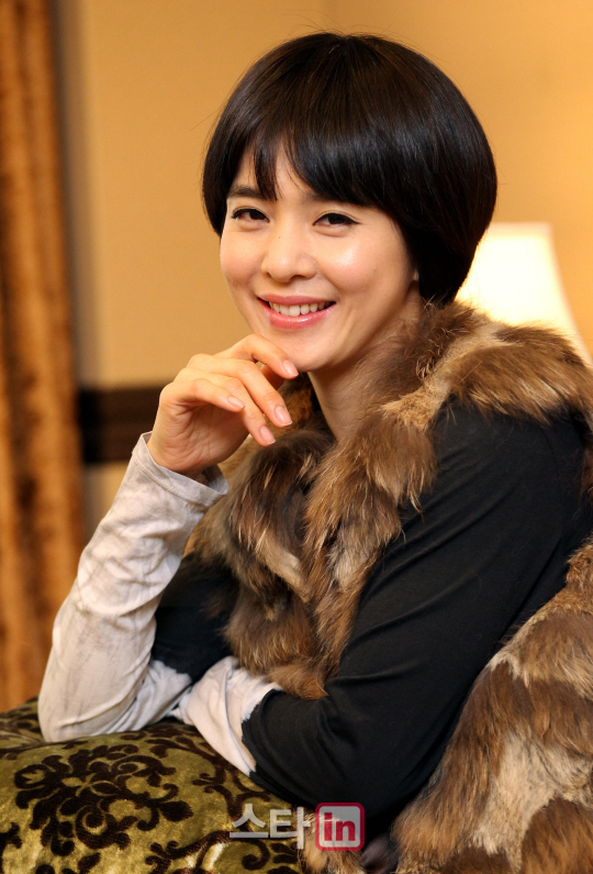 http://img4.wikia.nocookie.net/__cb20130121051707/drama/es/images/5/58/Jung_Hye_Young7.jpg