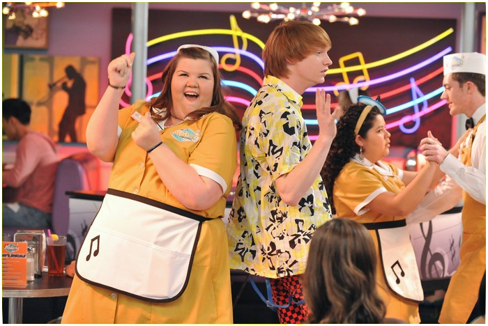 what episode do austin and ally start dating