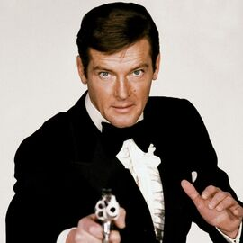 270px-James_Bond_%28Roger_Moore%29_-_Pro