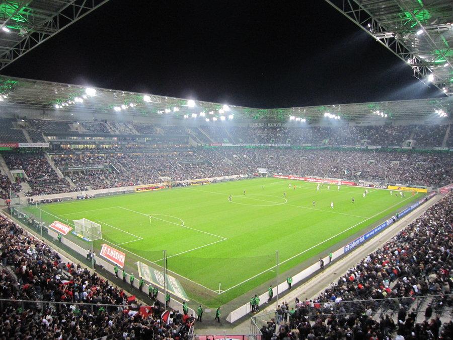 Gladbach Stadion Pappaufsteller