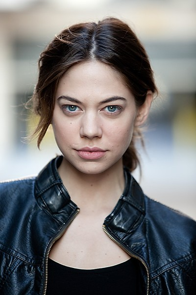http://img4.wikia.nocookie.net/__cb20130701212619/thehungergames/images/e/e5/Analeigh_Tipton.jpg