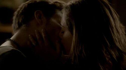 Image - Hayley and Klaus.jpg - The Vampire Diaries Wiki ...