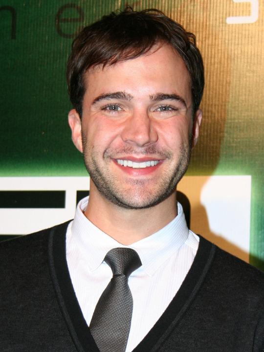 Gil Mckinney Cast Member