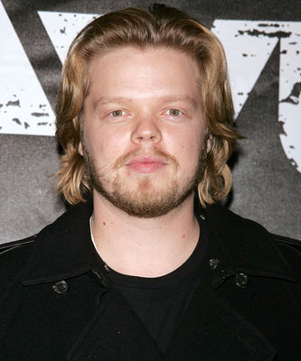 The 40-year old son of father George Ratliffe and mother(?), 176 cm tall Elden Henson in 2017 photo