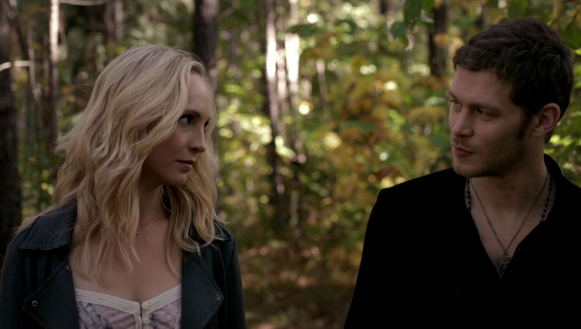 Image - Caroline and Klaus walking 5x11.jpg - The Vampire ...