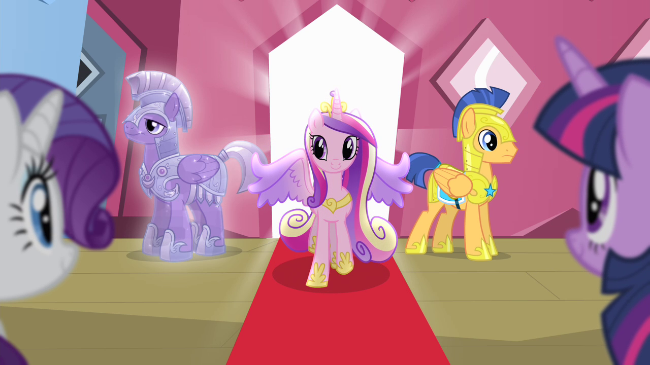 Cadance_walking_out_of_the_train_S4E11.p