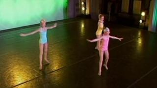 DANCE MOMS THE COMPETITION BEGINS