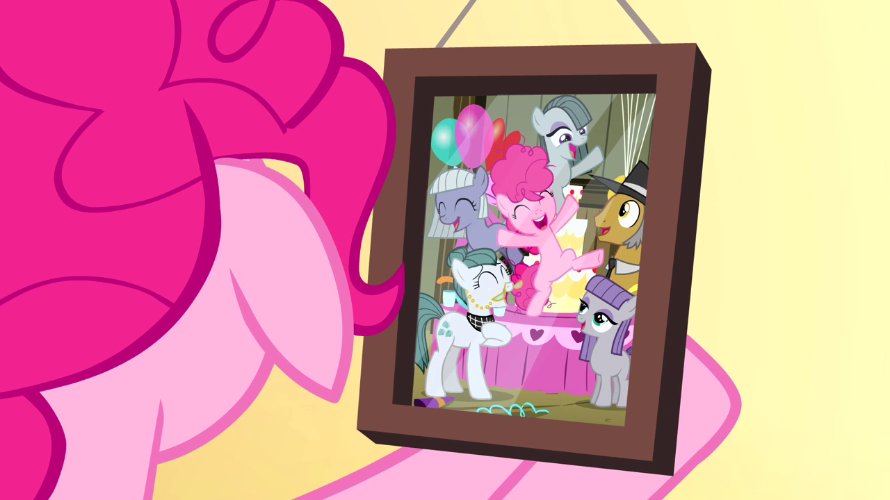 http://img4.wikia.nocookie.net/__cb20140212051923/mlp/images/3/37/Pinkie_Pie%27s_first_party_S4E12.png