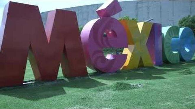 Doctor Who Invasion Mexico! - Doctor Who World Tour - DWWorldTour