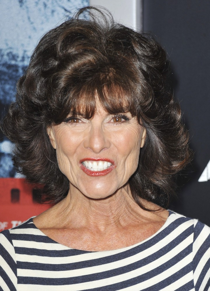 The 72-year old daughter of father Joseph Barbeau and mother Armene Nalbandian, 161 cm tall Adrienne Barbeau in 2017 photo