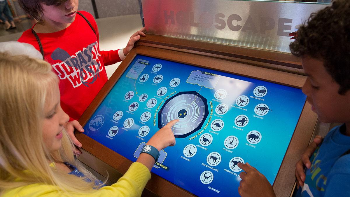 Kids-touching-screen.jpg