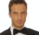 Lucas Jones (Ryan Carnes)