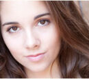 Molly Lansing-Davis (Haley Pullos)