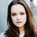Emilia-schuele-schauspielerin.jpg